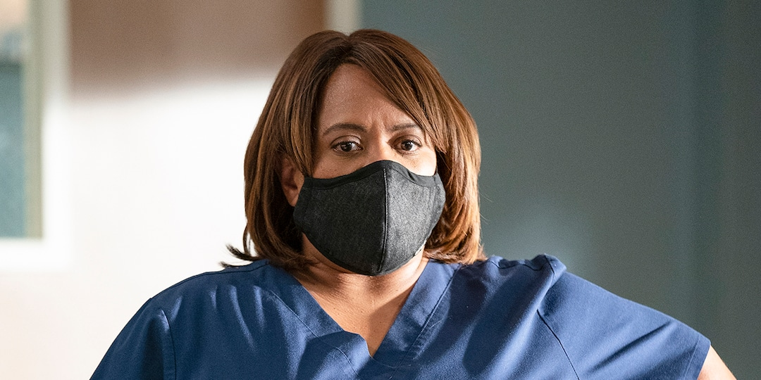 Chandra Wilson and Kelly McCreary Open Up About Being Black Women on Grey's Anatomy - E! Online.jpg