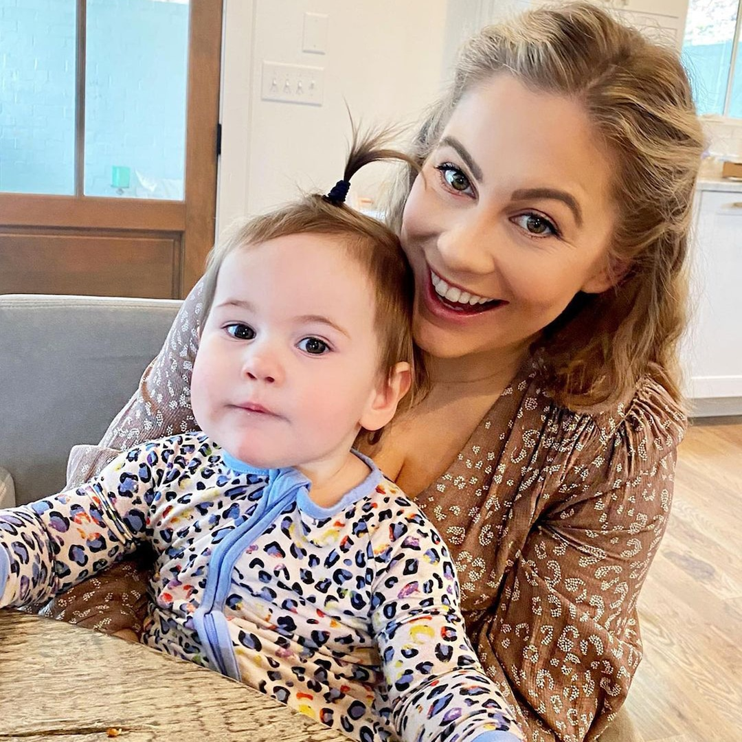 Watch Shawn Johnson's Baby Girl Nail the Balance Beam on Her First Try - E! NEWS