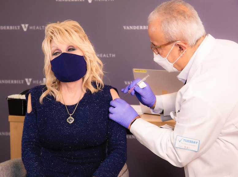 Dolly Parton, Instagram, Covid-19 vaccine