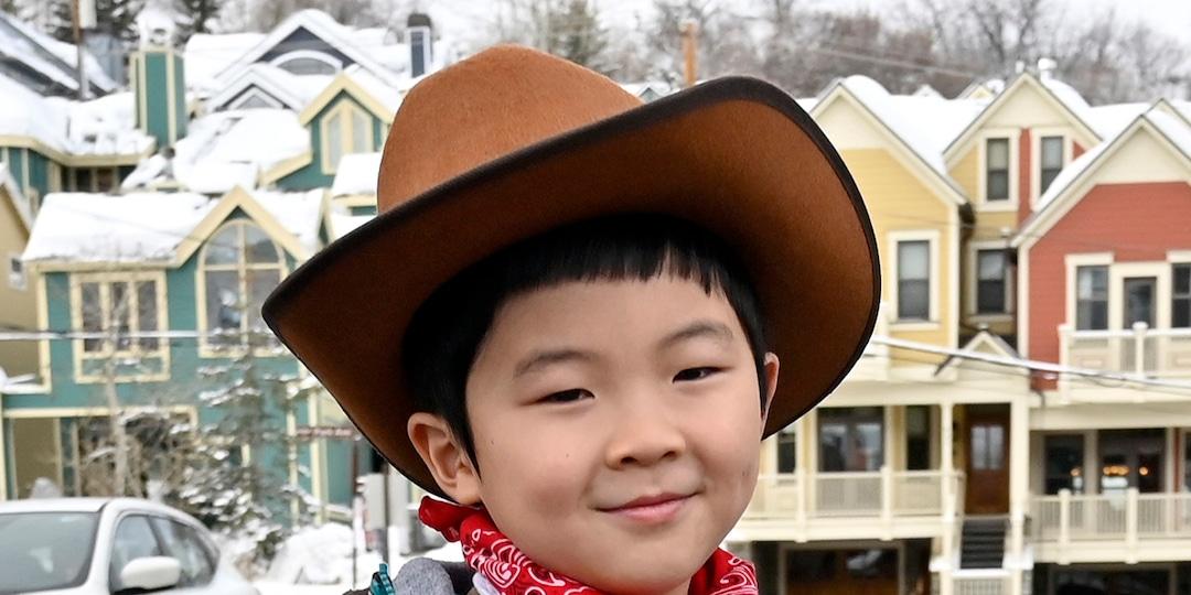 Watch Minari's 8-Year-Old Star Alan Kim Adorably React to Golden Globes Win - E! Online.jpg