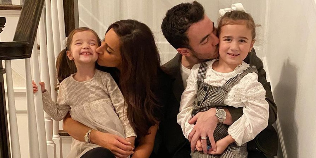 Watch Kevin Jonas' Daughters Imitate the Jonas Brothers in Adorable Video - E! Online.jpg