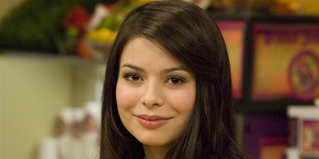 iRevisited iCarly As an Adult Before the Revival and Had the Best Time - E! Online.jpg
