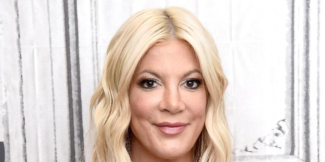 Tori Spelling Bears Striking Resemblance to Khloe Kardashian as She Debuts Glam Makeover - E! Online.jpg