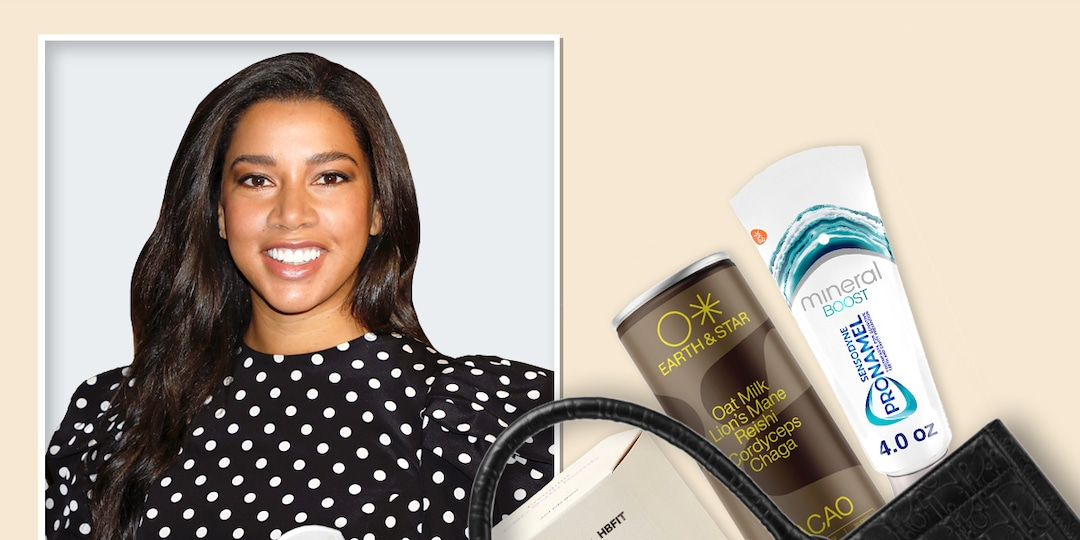 Hannah Bronfman Reveals What's in Her Bag - E! Online.jpg