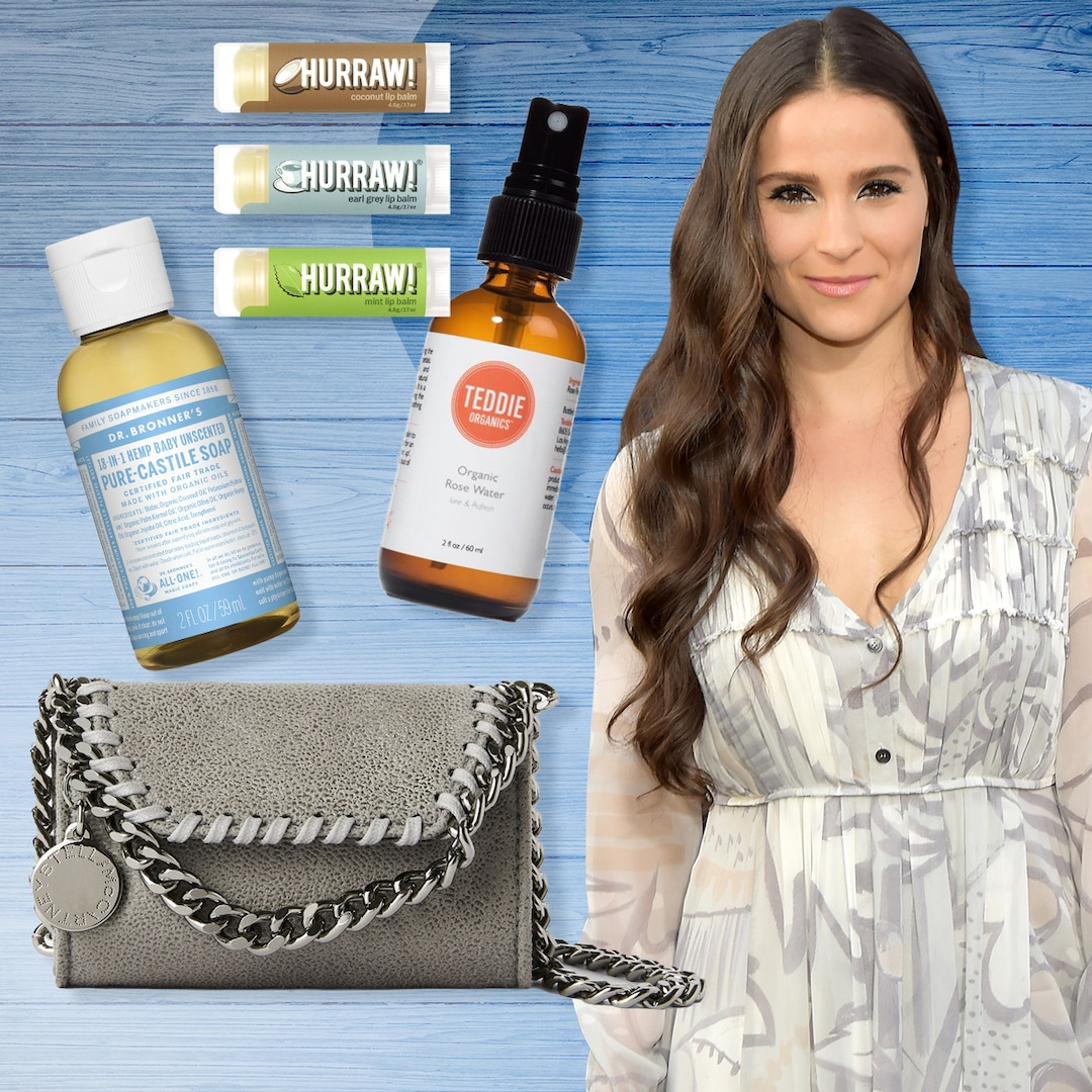 Gianna Simone Reveals What's In Her Bag