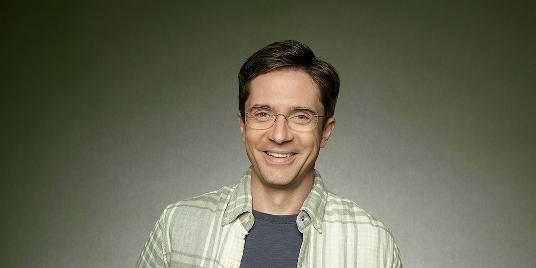 Topher Grace on Recapturing the Magic of That '70s Show With Home Economics - E! Online.jpg