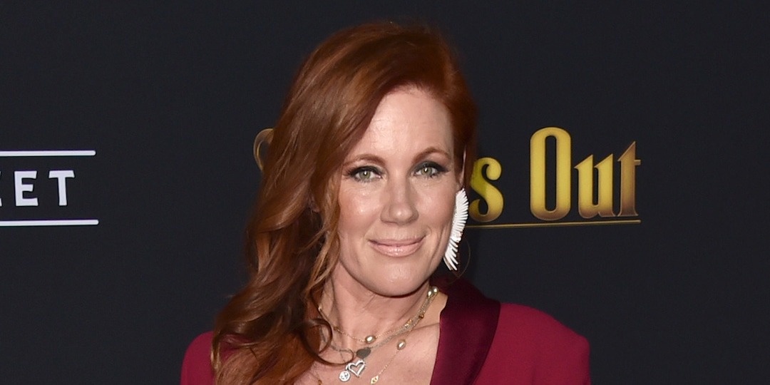 Elisa Donovan Recalls Nearly Suffering a Heart Attack While Battling Anorexia on Clueless Set - E! Online.jpg
