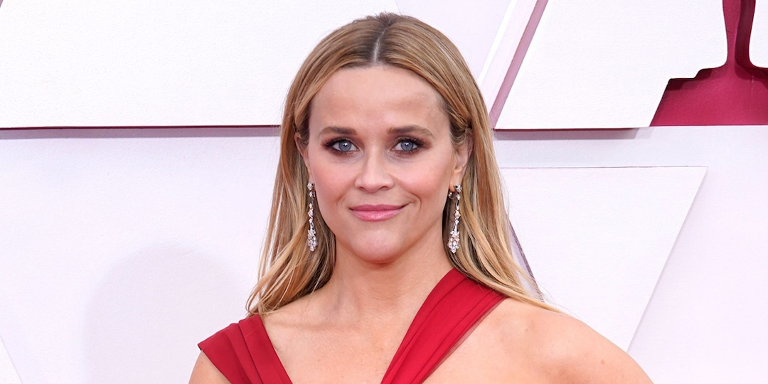 Reese Witherspoon Reveals She Underwent Hypnosis to Treat Panic Attacks Caused By This Role - E! Online.jpg