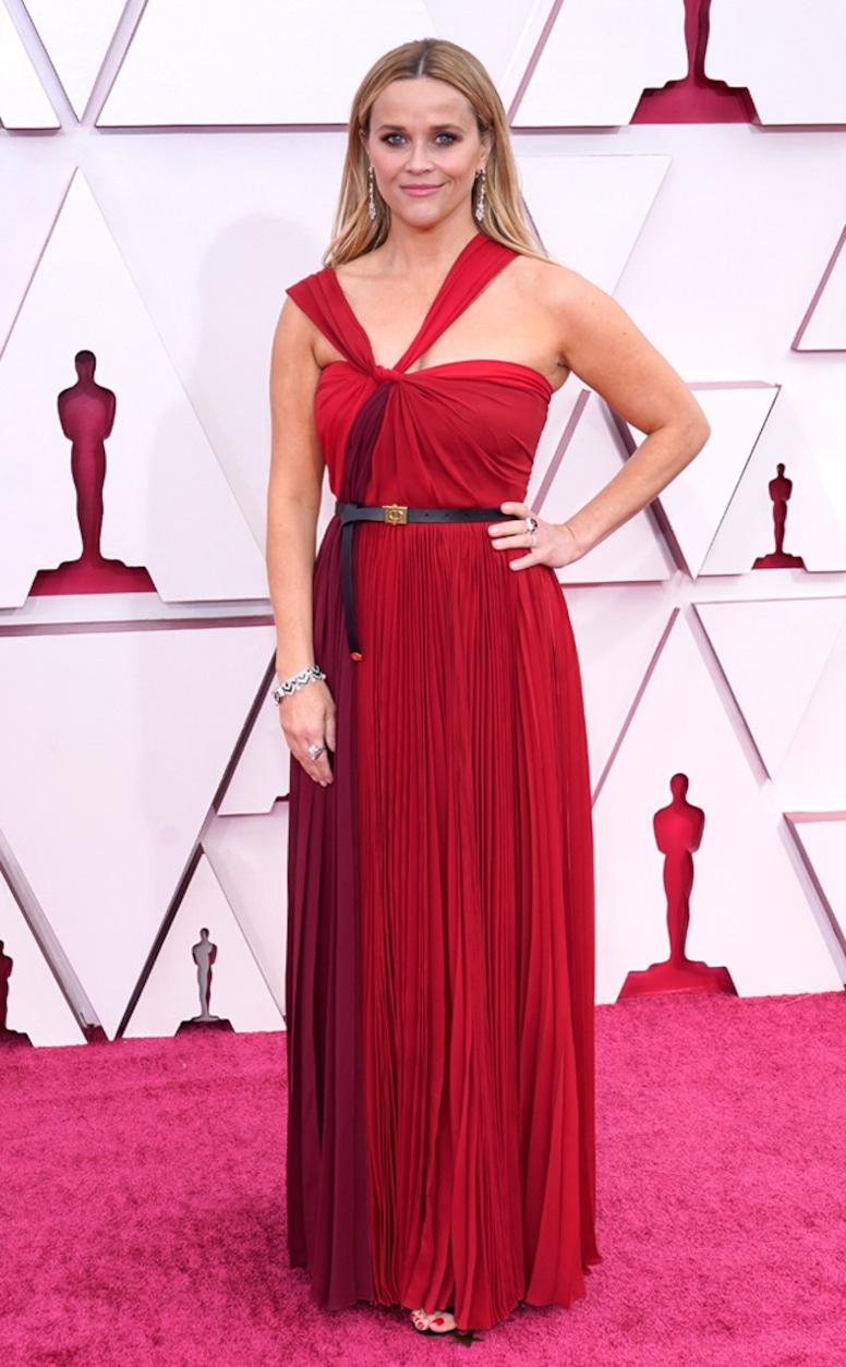 Worst Outfits Oscars 2021