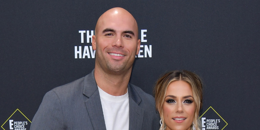 "Jana Kramer Has a ""Single Dinner"" Night Amid Mike Caussin Divorce - E! Online.jpg"