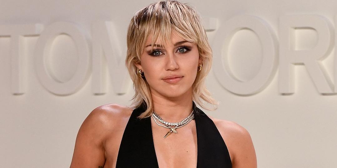 Why Miley Cyrus' NSFW Bathtub Selfie Is Golden - E! Online.jpg