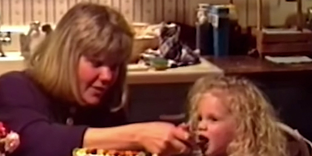 Taylor Swift Pays Tribute to Mom Andrea With Unseen Home Movies in 'The Best Day' Lyric Video - E! Online.jpg