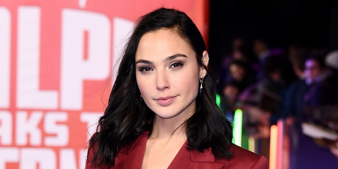 Gal Gadot Says She Worries for Her Family and Friends Amid Israeli-Palestinian Crisis - E! Online.jpg