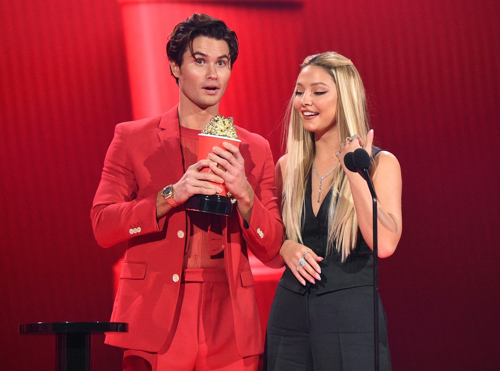 Chase Stokes, Madelyn Cline, 2021 MTV Movie and TV Awards, Best Kiss