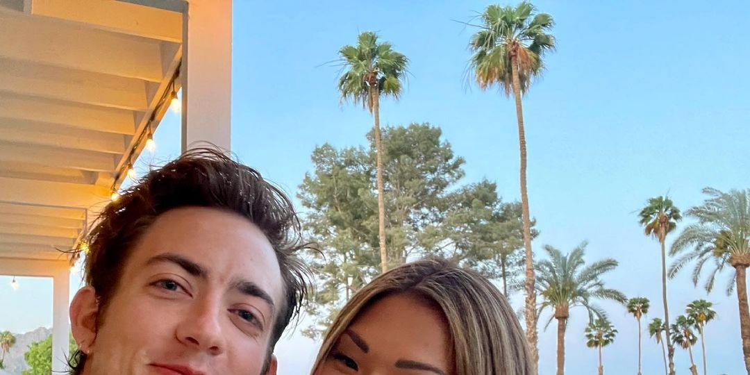 Glee's Jenna Ushkowitz and Kevin McHale Have the Cutest Reunion Ever - E! Online.jpg