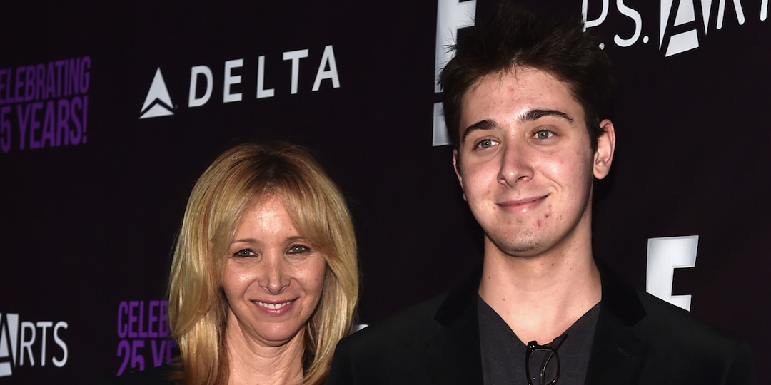 Lisa Kudrow Is a Proud Mom at Her Son Julian's College Graduation - E! Online.jpg