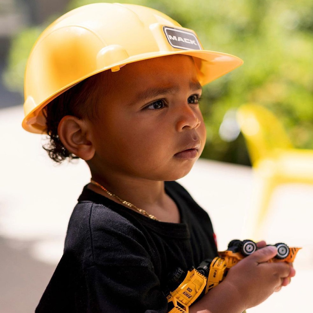 Psalm West Looks So Grown Up in Kim Kardashian's Latest Adorable Photo – E! Online