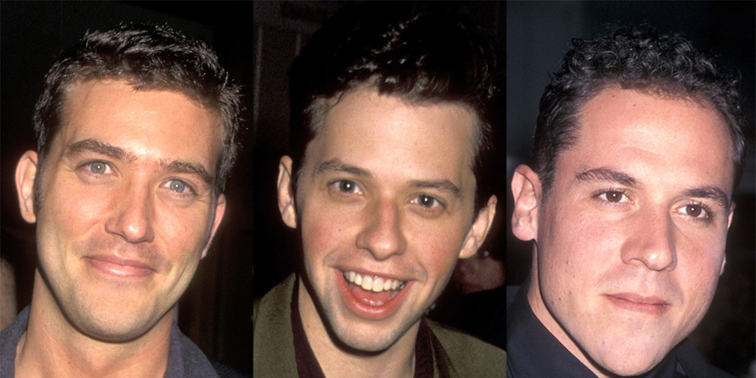 You Won't Believe All the Stars Who Were Almost Cast on Friends - E! Online.jpg