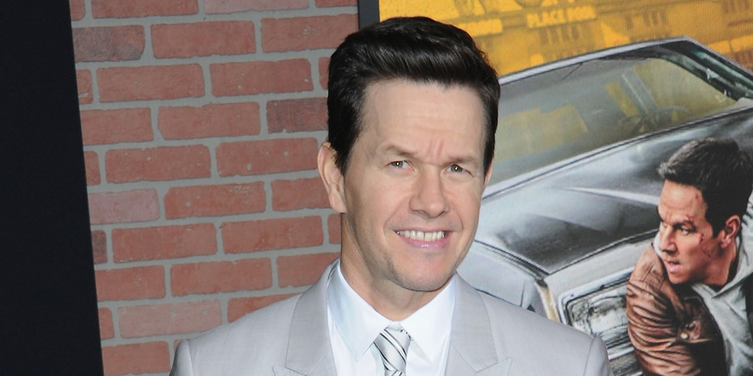 Mark Wahlberg Reveals New Look After Gaining 20 Pounds in Just 3 Weeks - E! Online.jpg