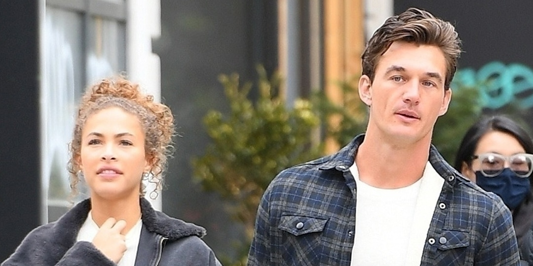 Tyler Cameron and Camila Kendra Prove They're Still Going Strong During Cozy Outing - E! Online.jpg