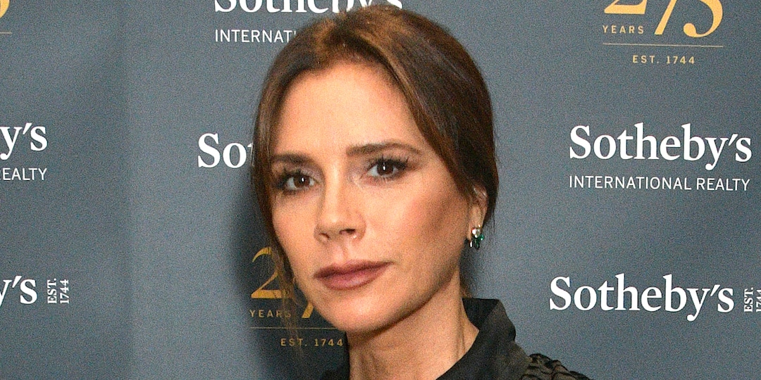 Victoria Beckham Recreates Her Iconic Posh Spice Look: See the Epic Photo - E! Online.jpg
