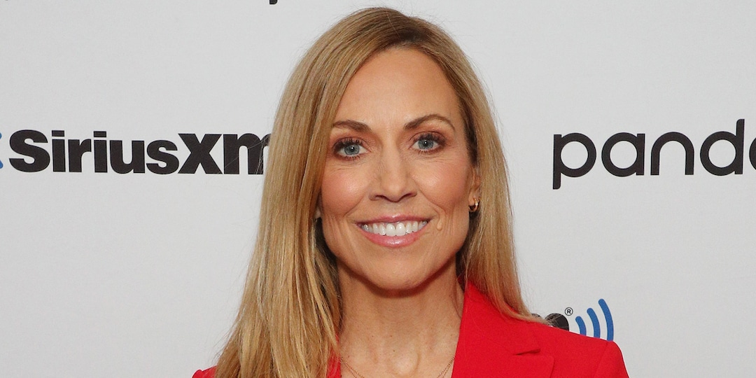 Sheryl Crow Recalls Alleged Sexual Harassment From Michael Jackson's Late Manager Frank DiLeo - E! Online.jpg