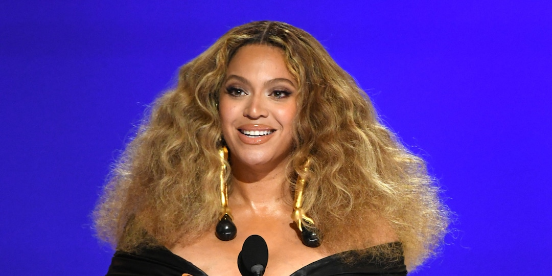 Beyoncé Shares Touching 4th Birthday Tribute to Twins Rumi and Sir - E! Online.jpg