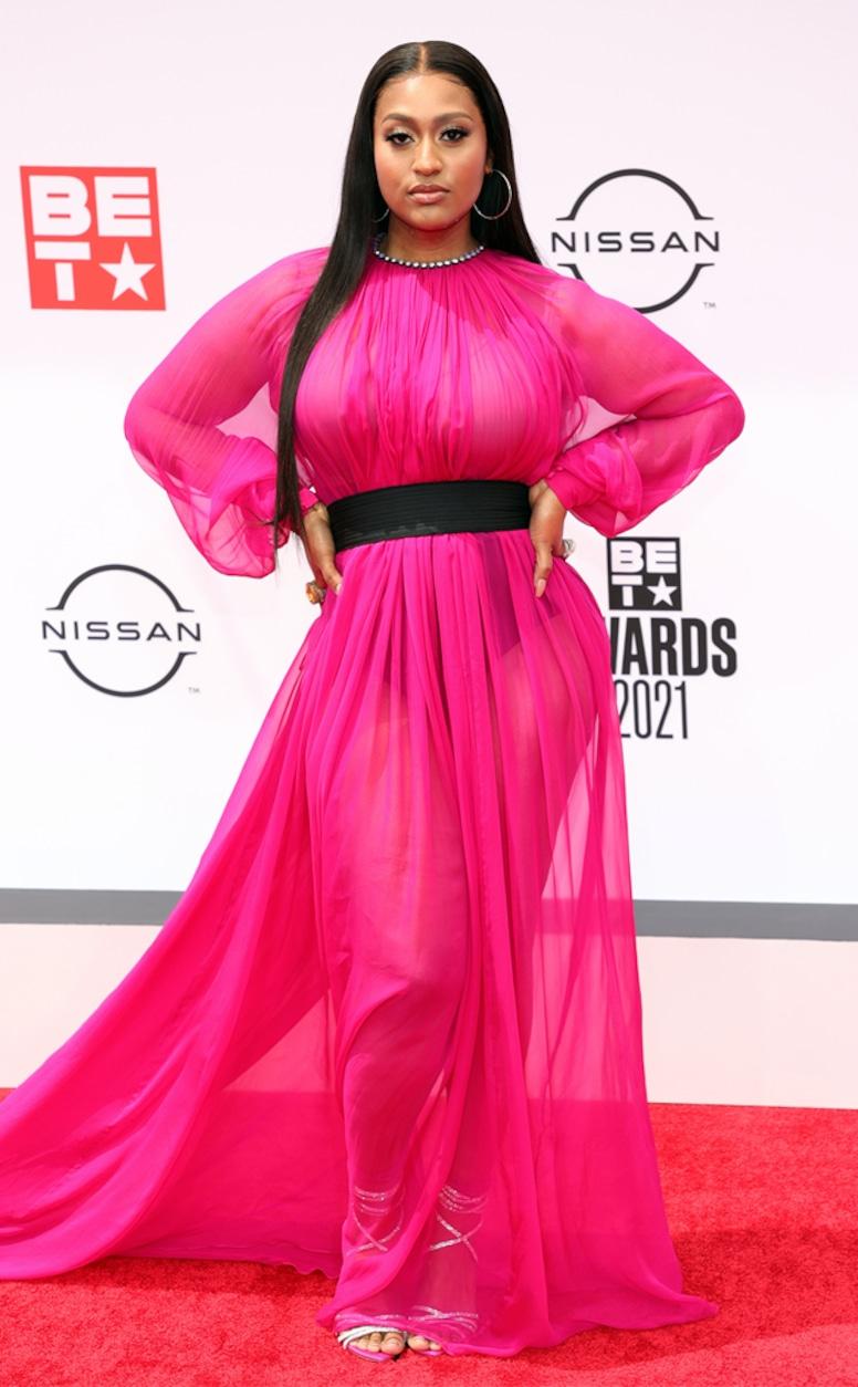 Jazmine Sullivan, 2021 BET Awards, red carpet fashion