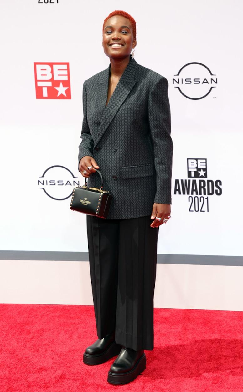 Arlo Parks, 2021 BET Awards, red carpet fashion