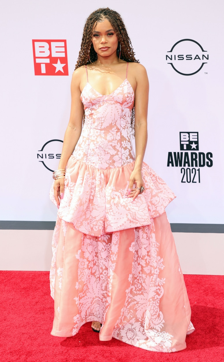 Andra Day, 2021 BET Awards, red carpet fashion