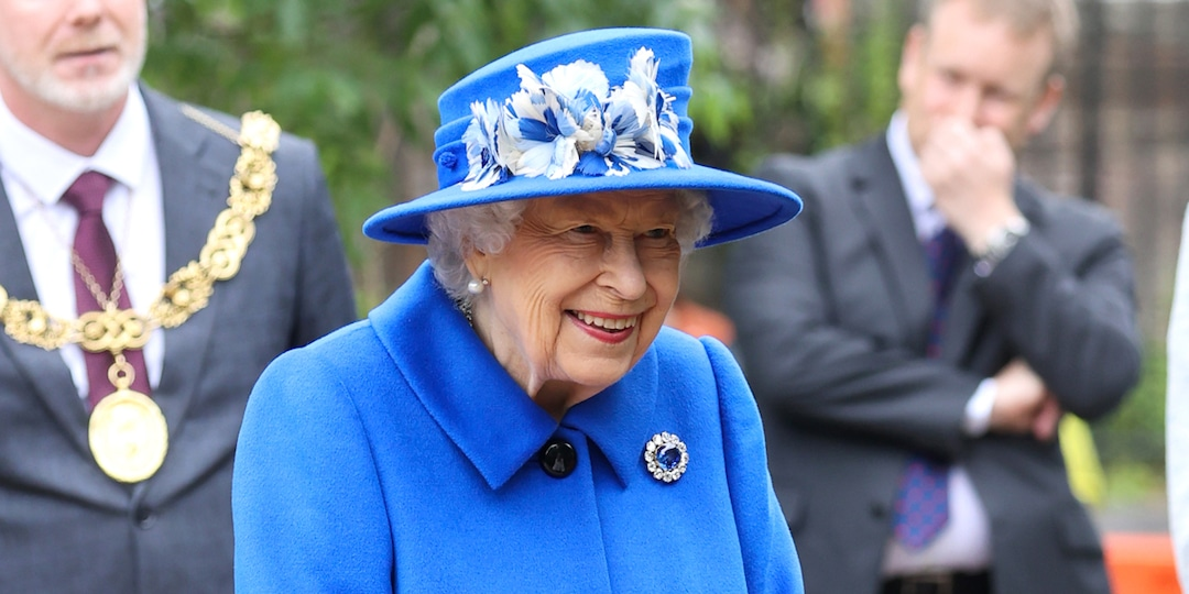 Queen Elizabeth II Spends the Night in Hospital After Canceling Visit to Northern Ireland - E! Online.jpg
