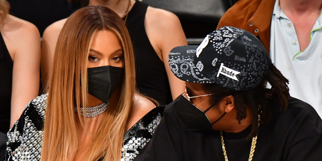 Beyoncé's Mom Weighs In on Claim Singer Is Battling Social Anxiety - E! Online.jpg