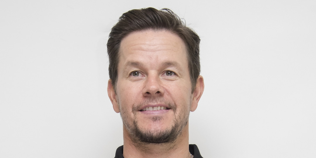 Mark Wahlberg Shares Sweet and Rare Photo of Himself With His Kids - E! Online.jpg