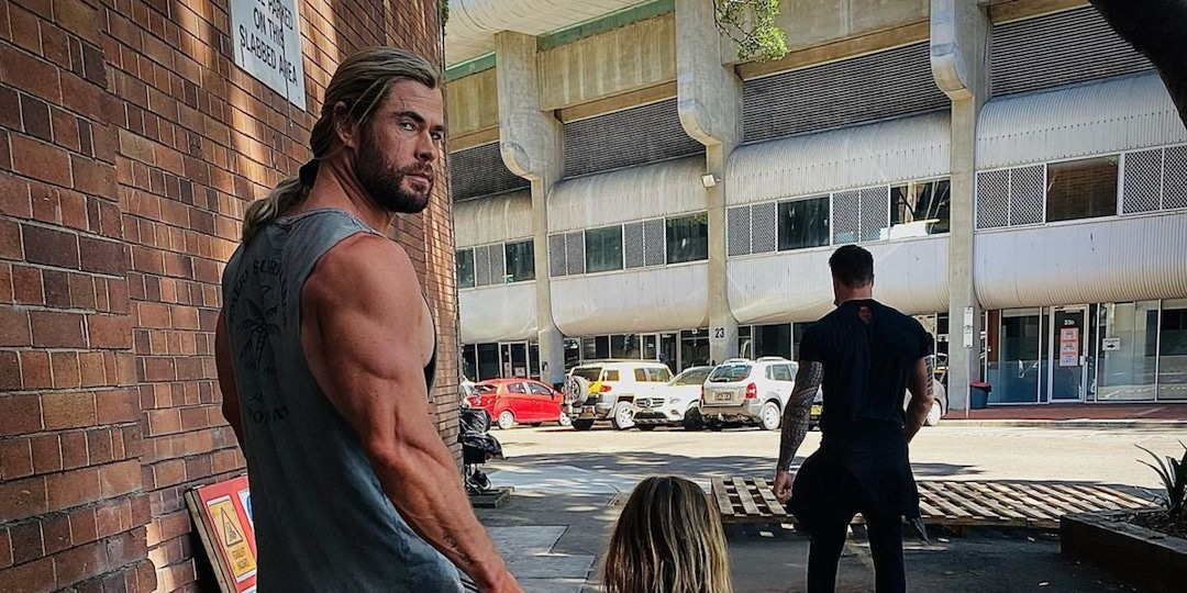 Chris Hemsworth Proves He's the Ultimate Girl Dad During Must-See Family Workout - E! Online.jpg