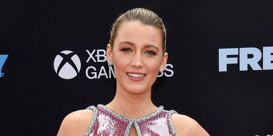 """Blake Lively Proves She's Ready for Fashion Week With """"Toddler Chic"""" Look - E! Online.jpg"""