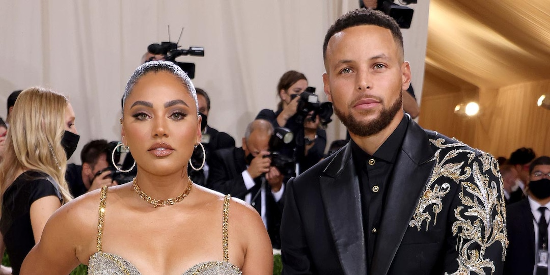 Steph and Ayesha Curry Light Up the Red Carpet During Date Night at the 2021 Met Gala - E! Online.jpg