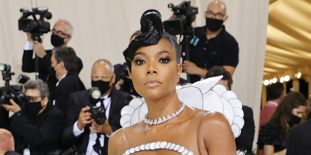 You Won't Believe How Many Hours It Took to Create Gabrielle Union's 2021 Met Gala Dress - E! Online.jpg