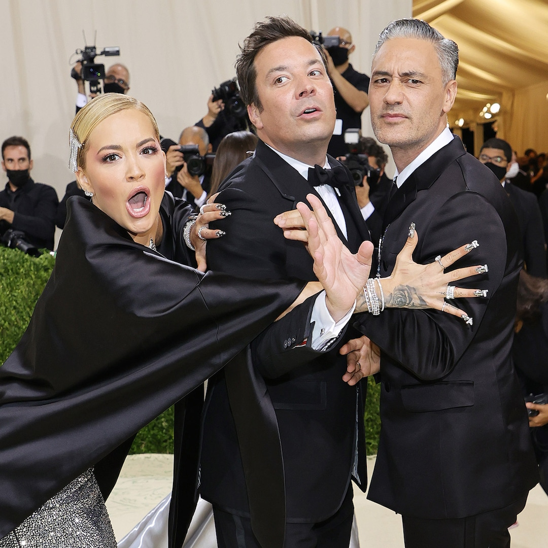 See the 2021 Met Gala's Best Candid Moments: Celeb Reunions, Photobombs and More