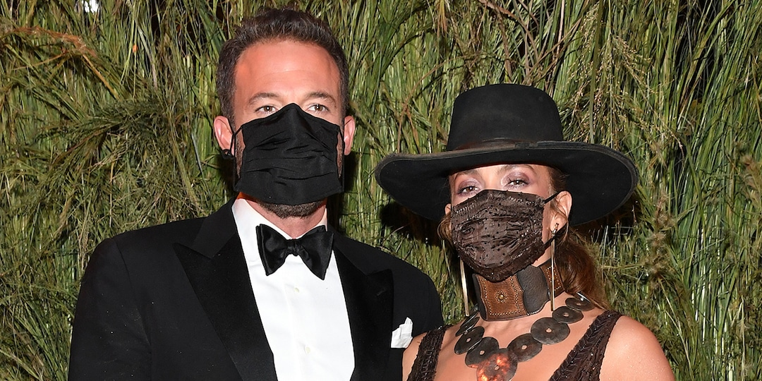 See Jennifer Lopez and Ben Affleck Share a Sweet Masked Kiss After He Joined Her at the Met Gala - E! Online.jpg