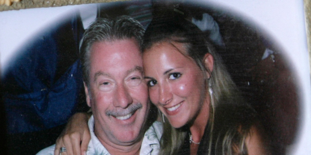 One Wife Dead and Another Missing Without a Trace: Inside Drew Peterson's Twisted Path to Prison - E! Online.jpg