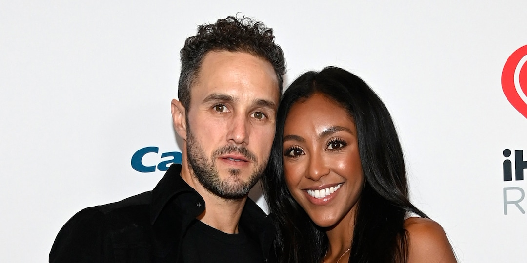 The Bachelorette's Tayshia Adams and Zac Clark Finally Bring Their Love to the Red Carpet - E! Online.jpg