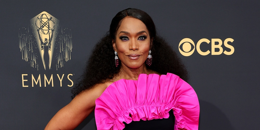 Angela Bassett Brings the Wow Factor to the 2021 Emmys With Electrifying Look - E! Online.jpg