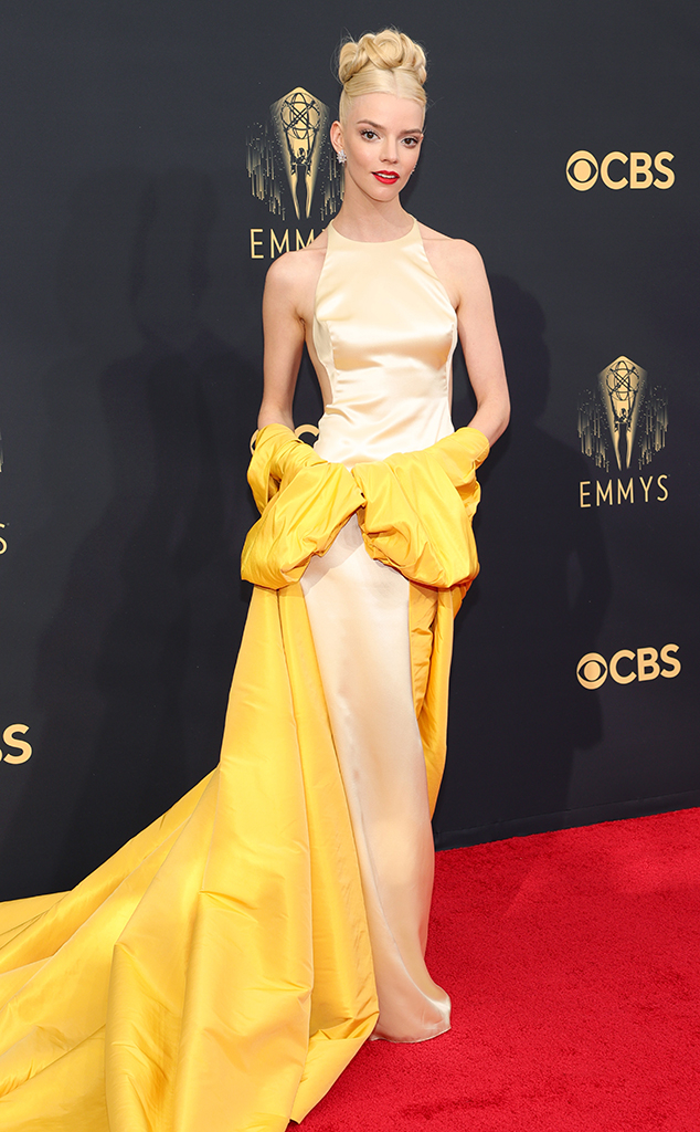 emmy's red carpet 2021 anya taylor joy