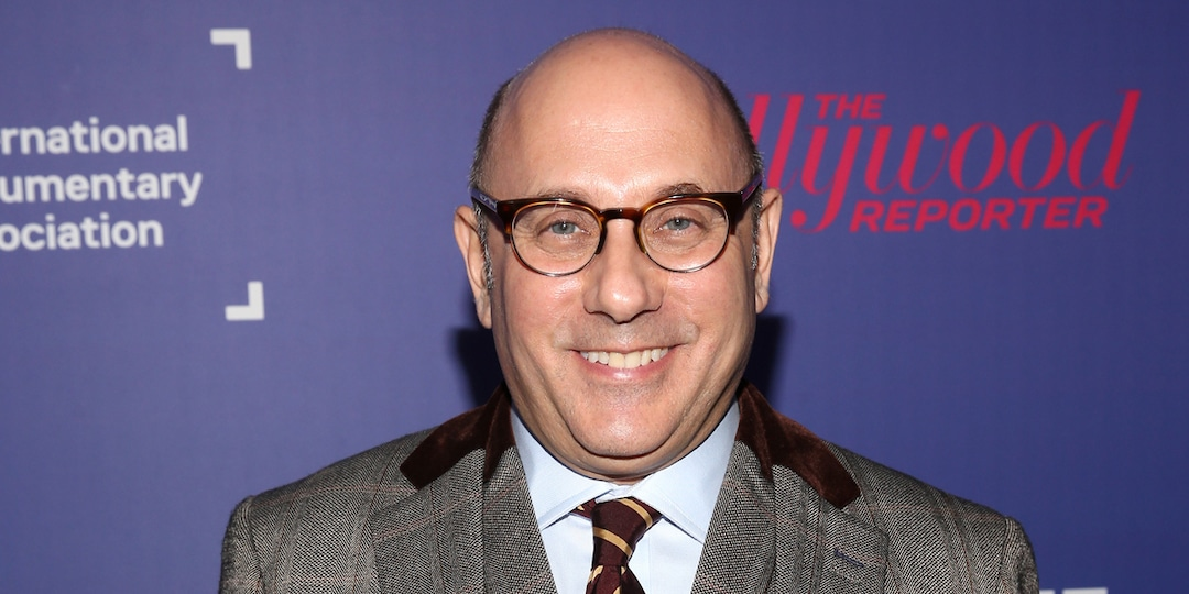 Willie Garson Spotted on Set of Sex and the City Reboot Just One Month Before His Death - E! Online.jpg