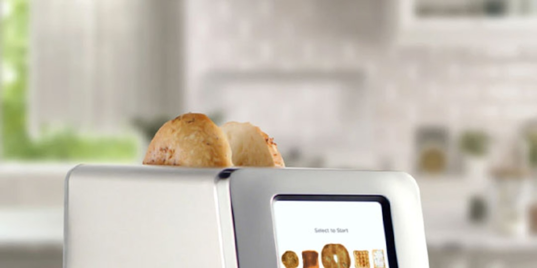 TikTok Is Obsessed With This Toaster & It's Now on Sale - E! Online.jpg