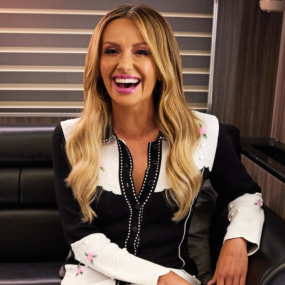 """Why Carly Pearce Is Proud to Say She's Happy Now After """"Painful"""" Year of Change"""