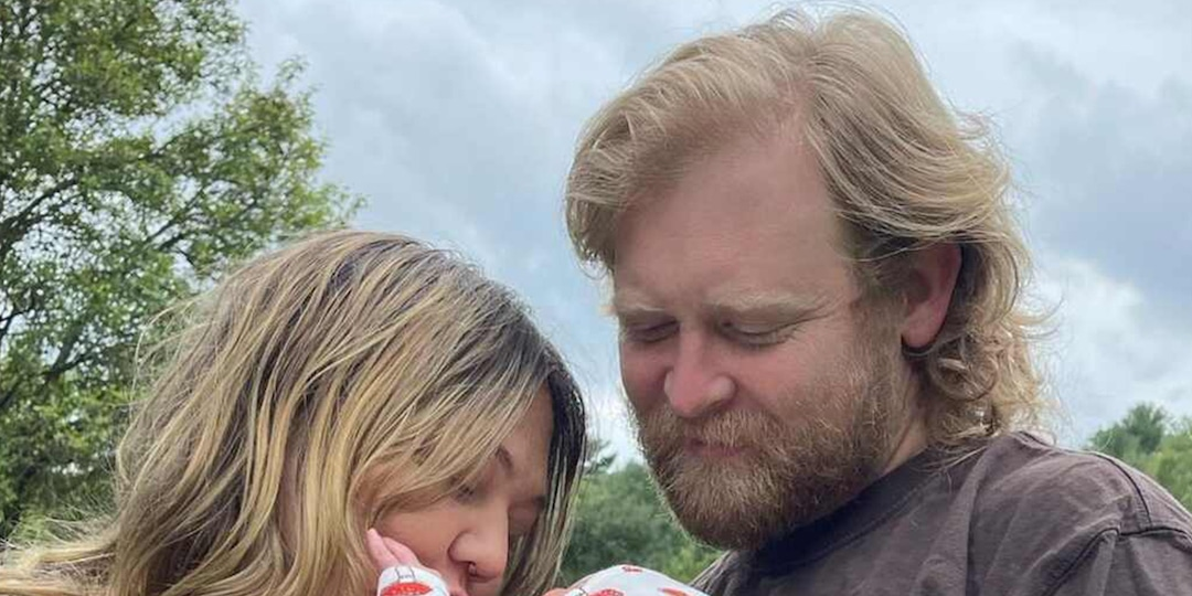 Elle King Welcomes Baby Boy With Fiancé Dan Tooker: Find Out His Unique Name - E! Online.jpg