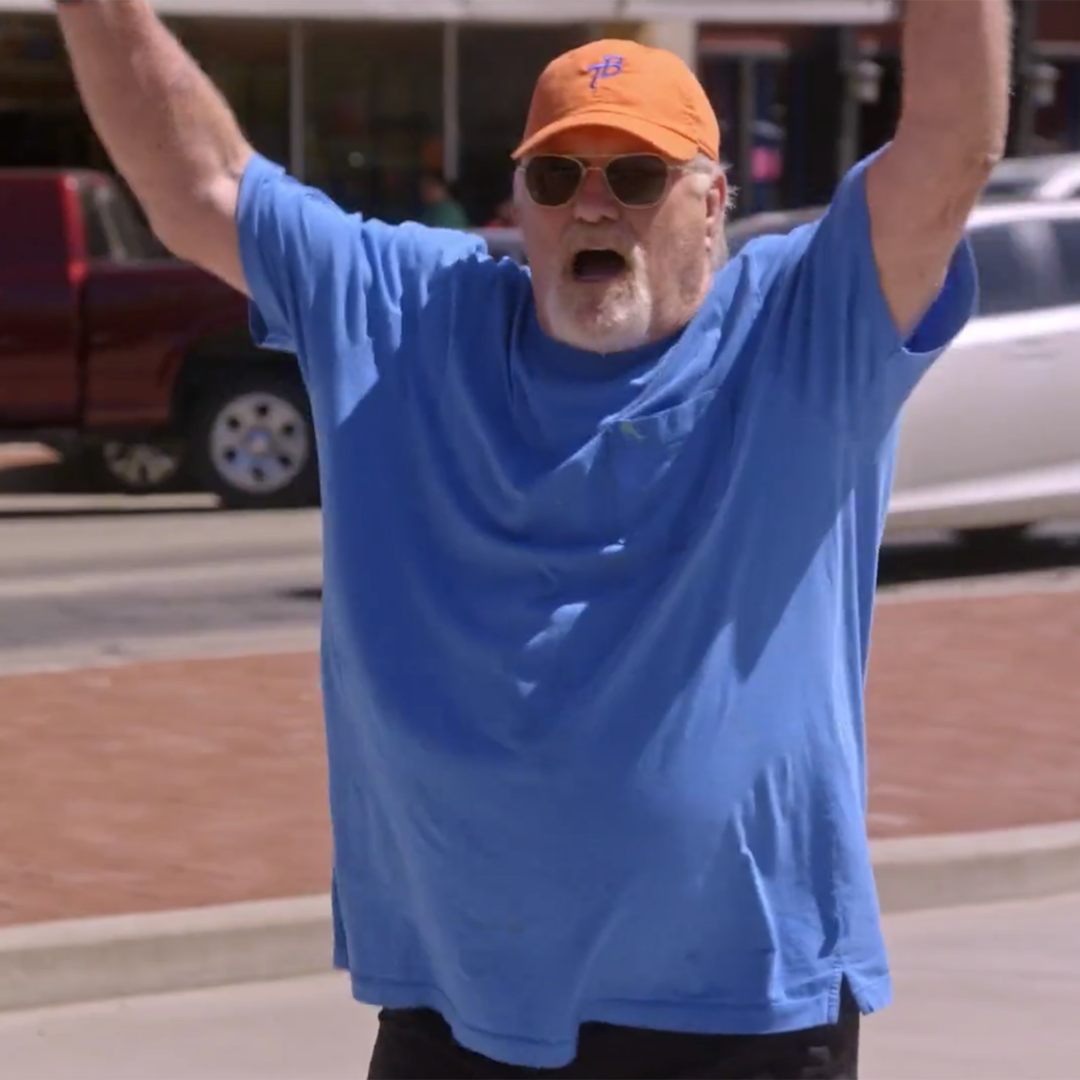 Here's Why Terry Bradshaw Is Selling Slime on the Side of the Road on The Bradshaw Bunch