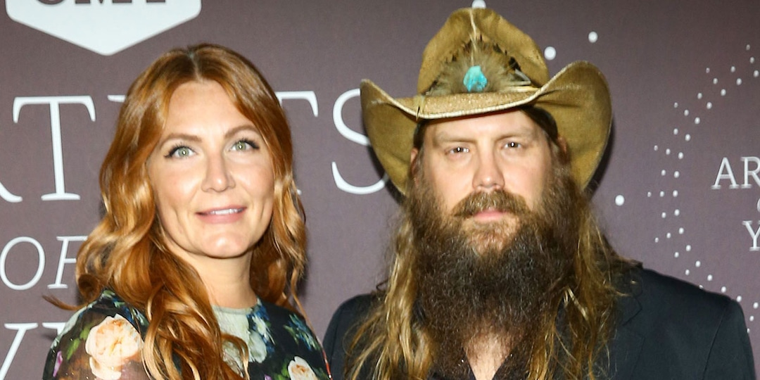 CMT Artists of the Year 2021 Red Carpet Fashion: See Every Look as the Stars Arrive - E! Online.jpg