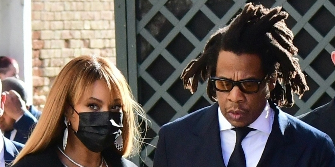 Beyoncé and Jay-Z Have a Rare Matching Fashion Moment as They Attend Wedding in Italy - E! Online.jpg